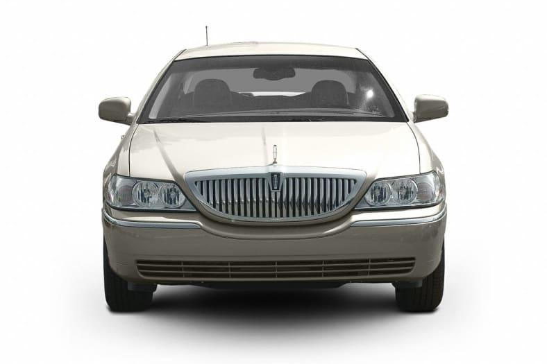 2003 Lincoln Town Car Exterior Photo