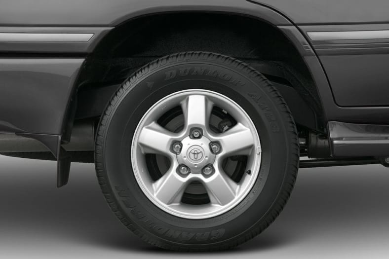 2004 Toyota Land Cruiser Exterior Photo