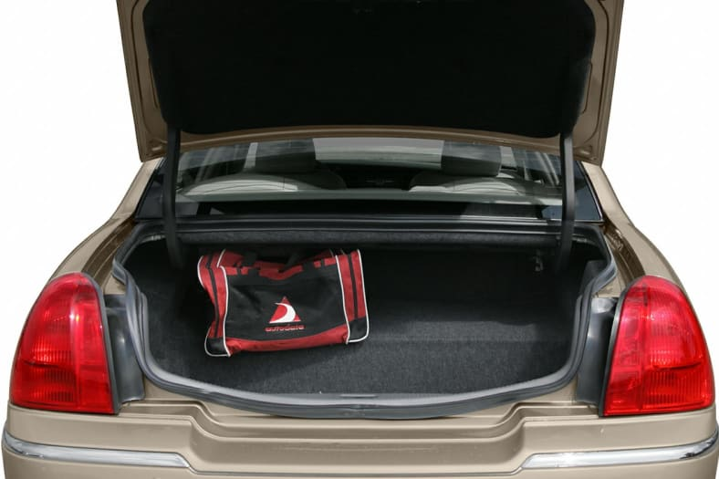 2005 Lincoln Town Car Exterior Photo