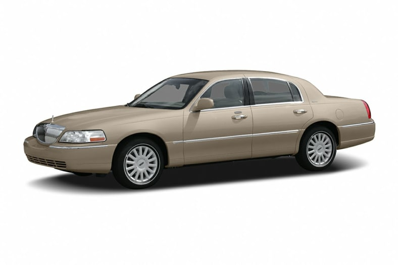 2006 Lincoln Town Car Information