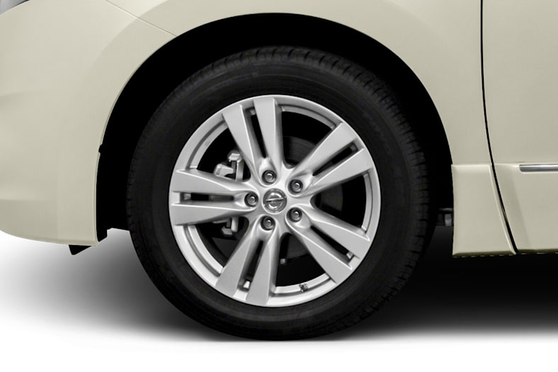 2013 Nissan Quest Exterior Photo