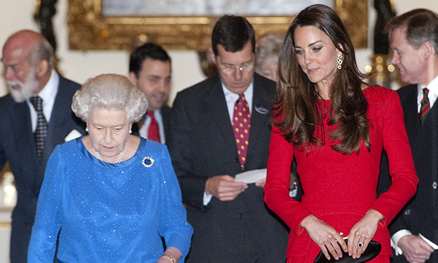 Kate will be extra sparkly in Australia, allowed to 'raid' the Queen's jewelry collection