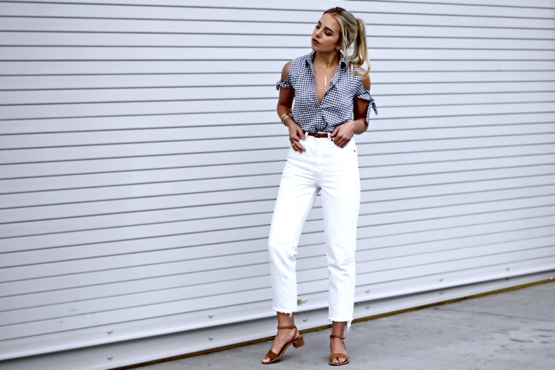 Street style tip of the day: Cold shoulder top