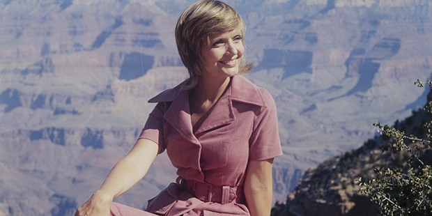 Florence Henderson Style Transformation
