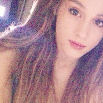 Why does ariana grande wear a ponytail search results hairstyle