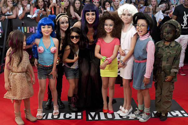 katy perry carpet 800 061712 MMVA 2012 Most Outrageous Fashion Award