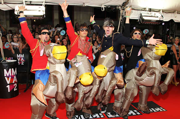 marianas trench 800 MMVA 2012 Most Outrageous Fashion Award