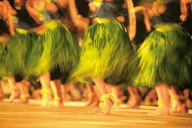 10 energetic dance holidays