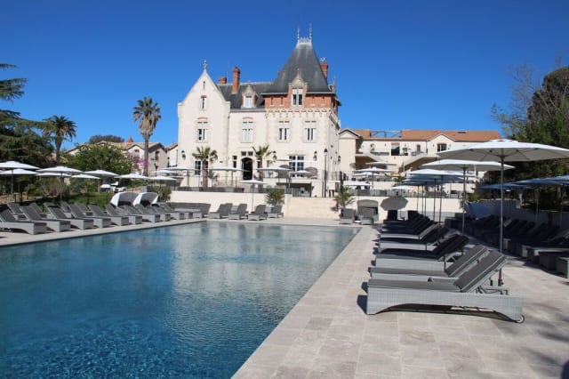 hotel review chateau saint pierre de serjac languedoc france aol uk. Black Bedroom Furniture Sets. Home Design Ideas
