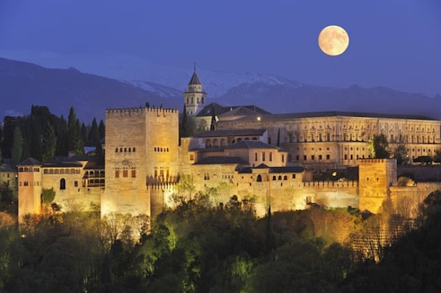 Be astonished by the decorative design of Spain's Alhambra