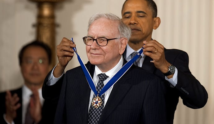 http://o.aolcdn.com/dims-global/dims3/GLOB/resize/800x400/http://www.blogcdn.com/www.dailyfinance.com/media/2013/05/warren-buffett-obama-900cs050713.jpg