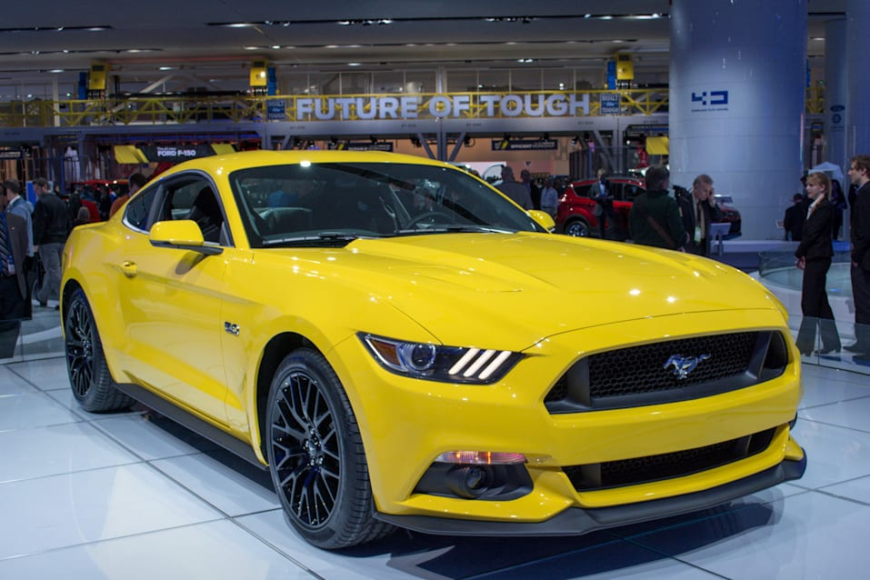 2015 mustang in yellow. Black Bedroom Furniture Sets. Home Design Ideas