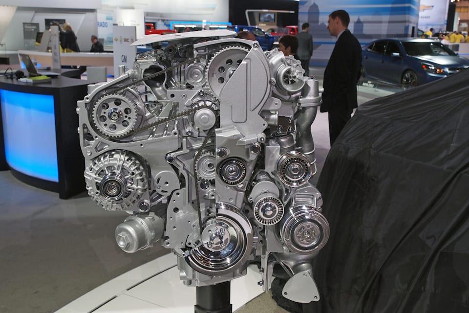 chevy cruze 2 0l diesel engine pics and some more tech info vw pic from autoblog