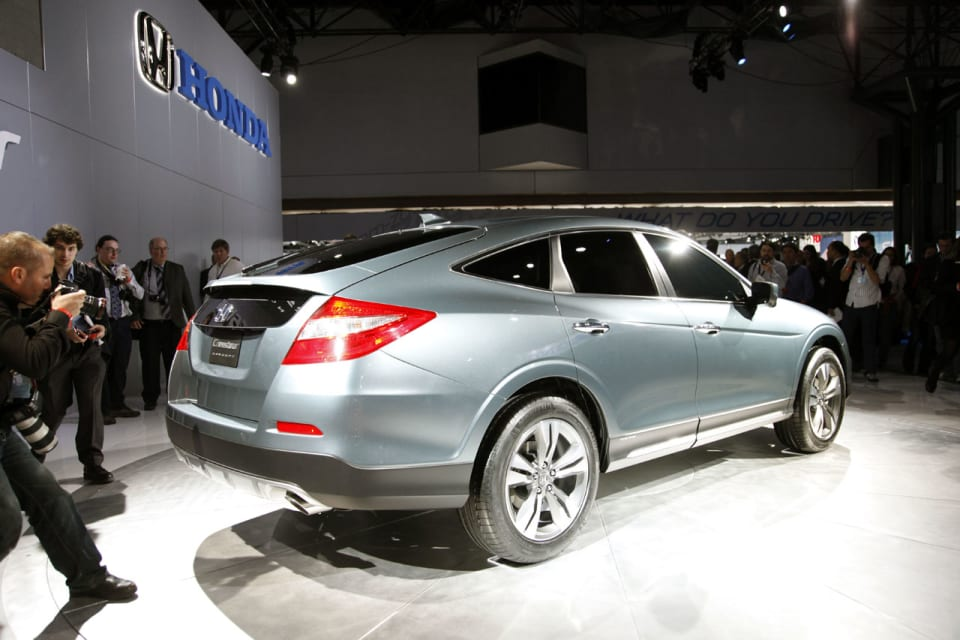 Crosstour Discussion Thread 2013 Model More V6 Power Refined