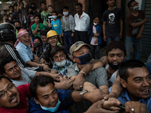 #GoHomeIndianMedia: Angry Nepalis Slam Indian Media's Disaster Coverage
