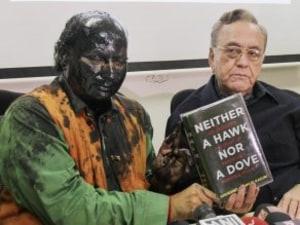 Shiv Sena Boss Uddhav Thackeray Meets And Greets The Men Who Smeared Black Paint On Sudheendra Kulkarni