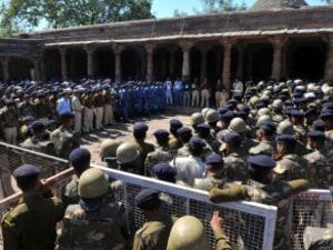 Basant Panchami: Hindus Pray And Muslims Offer Namaz At Disputed Site In Madhya Pradesh