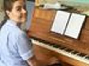 Hospice Nurse's Moving Adele Rendition Goes Viral For All The Right Reasons