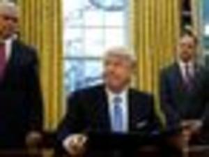 Trump Signs Executive Orders On Keystone XL, Dakota Access Pipelines