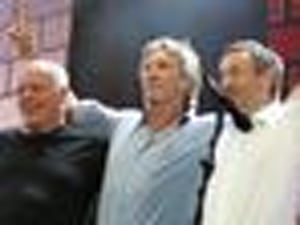 Great Gig In Glastonbury: Is A Pink Floyd Reunion In The Works?