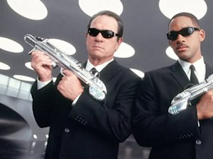 'Men in Black 4' to Star Woman in Black, Maybe Will Smith