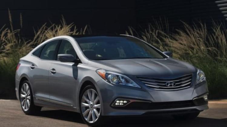 2015 Hyundai Azera appears refreshed in Miami