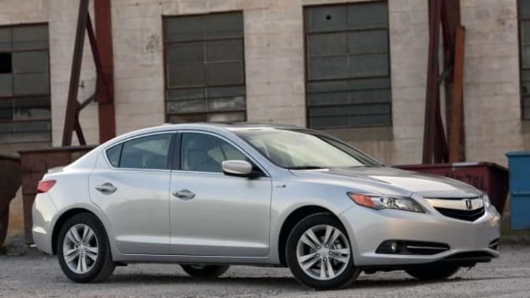 Acura recalls 2013-2014 ILX, ILX Hybrid over fire-prone headlamps