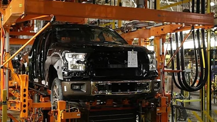 2015 Ford F-150 enters production