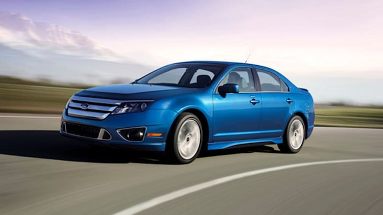 Feds Probe Power Steering In 938,000 Ford Midsize Cars