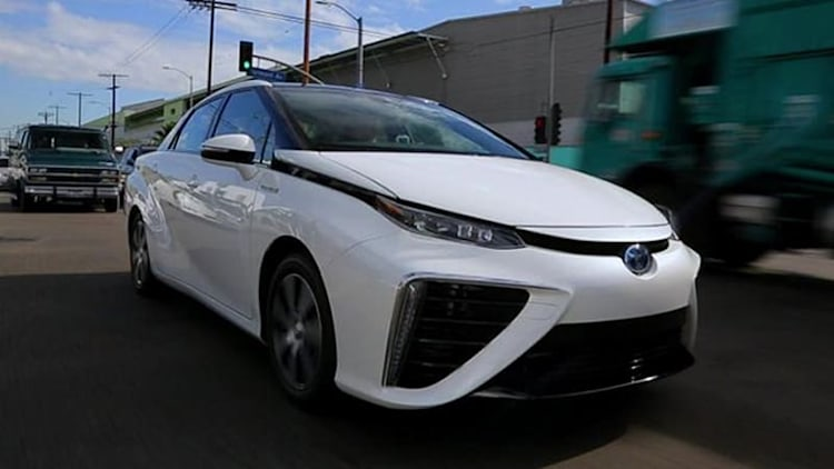 Translogic 164: Driving the fuel cell vehicles of the 2014 LA Auto Show