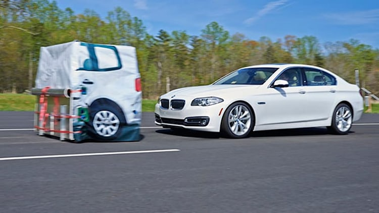 IIHS releases new rankings from crash-avoidance tests [w/video]