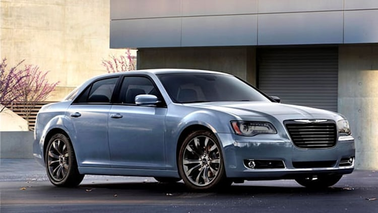 Chrysler Recalling Nearly 907,000 Cars, SUVs