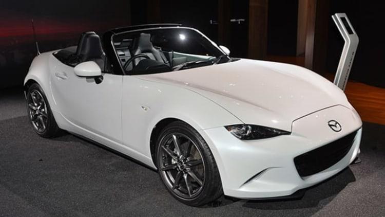 2016 Mazda MX-5 Miata is a knight in white satin