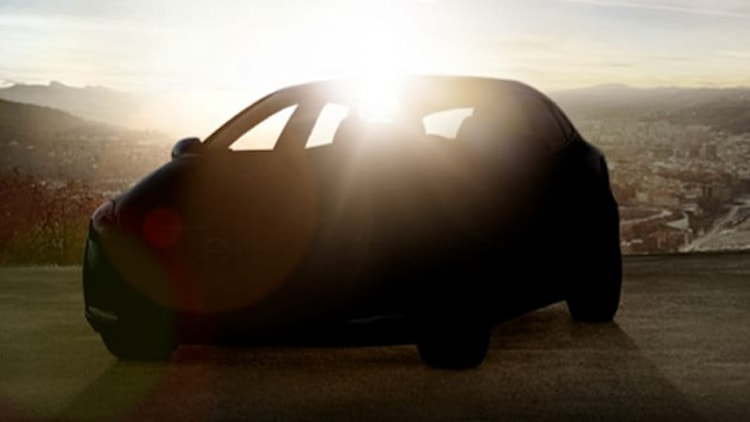 Volvo confirms new V40 on the way with shadowy look