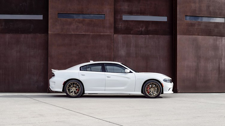 Weekly Recap  Things you might not know about the 2015 Dodge Charger and Challenger Hellcats