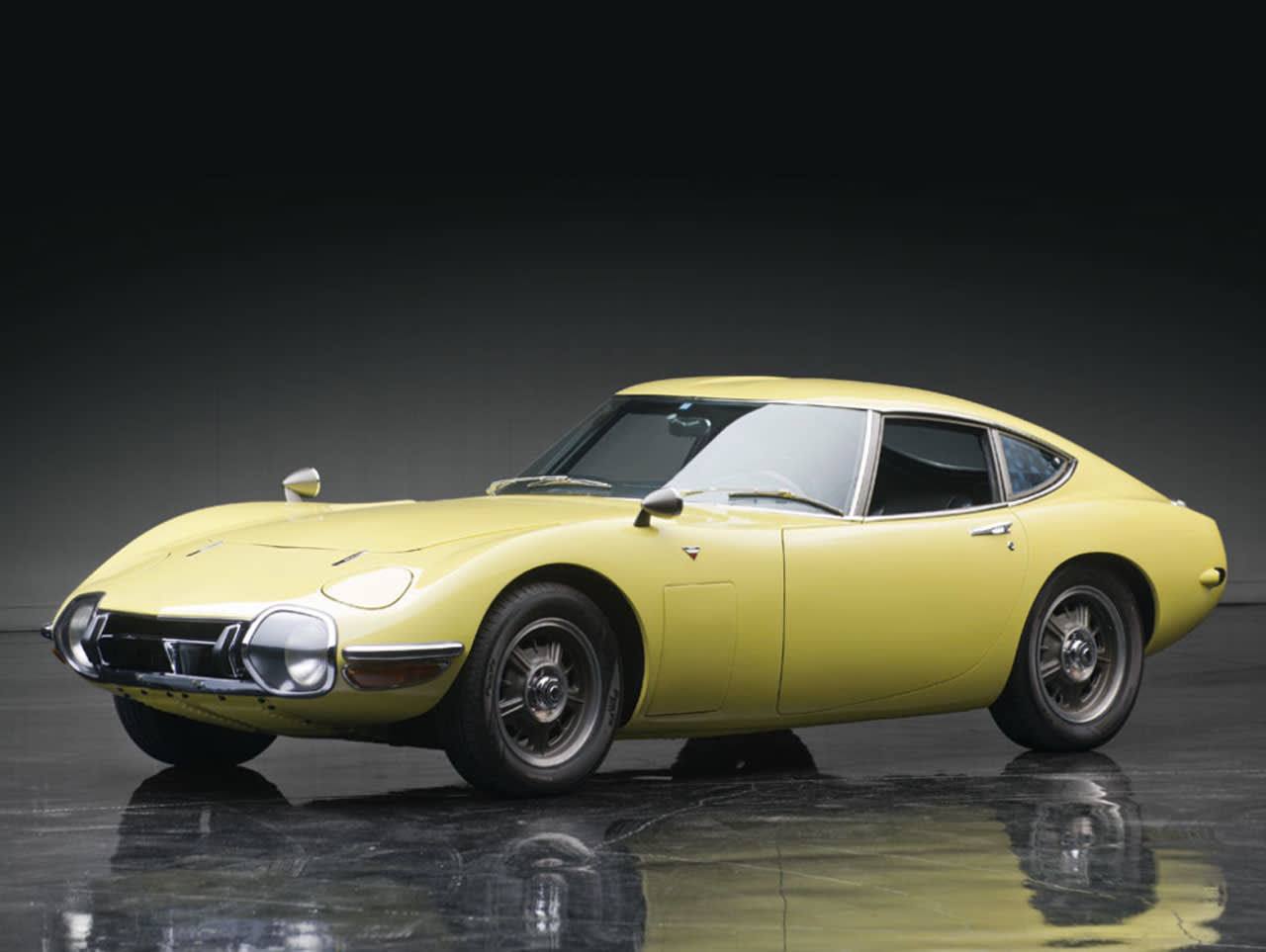 1967 Toyota 2000GT Photos