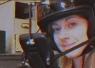 どこでも安全にプレイできる!?美女発明家が 『ポケモンGO』専用ヘルメットを開発www