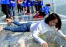 高さ400メートル!中国にある「全面ガラスの展望台」がコワすぎると話題に【動画】