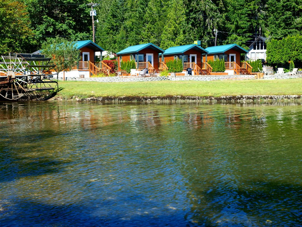 waterfront cottages on the fabulous Hood Canal