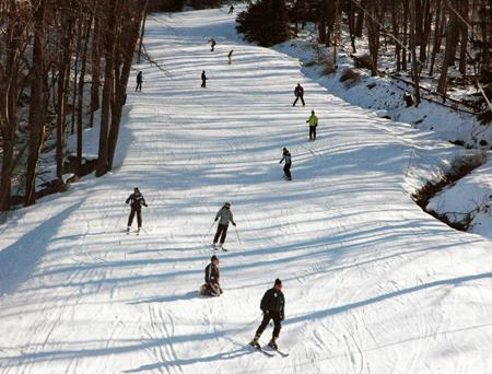 With 34 trails for all levels of skiers and snowboarders, our ski resort challenges if allowed to, but never intimidates! Our longest ski trail, the Nile Mile, stretches for an astounding mile and features a vertical drop of 800 feet!