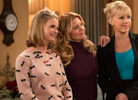 fuller house season 2 is recasting two original series roles