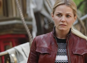 will emma die once upon a time bosses tease killer reveal