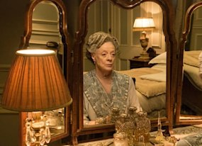 absent emmy winner maggie smith had the perfect response to jimmy kimmel s joke