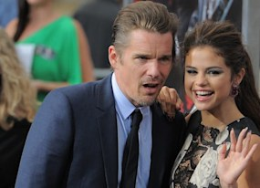 getaway premiere selena gomez and ethan hawke race into l a photos