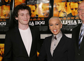 anton yelchin s parents take out heartbreaking ad to thank fans