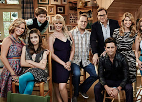 fuller house season 2 has a festive premiere date and amp poster