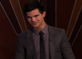 taylor lautner displays talent for grape catching on tonight show video