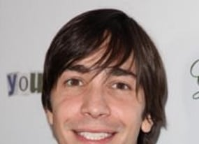 justin long hopes nude scene is left out of going the distance