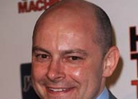 rob corddry talks hot tub time machine and how the daily show didn t prepare him for hollywood
