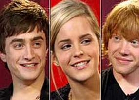 harry potter and the order of the phoenix co stars daniel radcliffe emma watson and rupert grint take a break from hogwarts